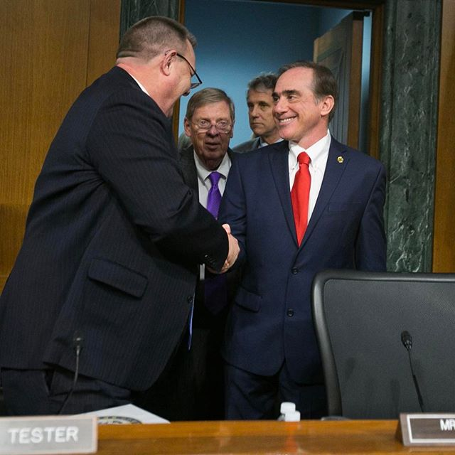 David J. Shulkin, M.D., the nominee to be Secretary of Veterans Affairs, is greeted by ranking member Sen. Jon Tester (D-MT) as he arrives for his confirmation hearing before the Senate Committee on Veterans' Affairs in Washington, D.C. on Feb. 1, 2017. (Mike Morones/MOAA)